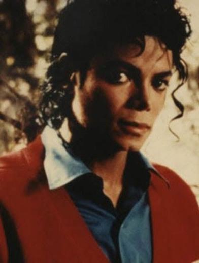 http://1.bp.blogspot.com/_1xCtKaC1GfM/TFh5MSqxG2I/AAAAAAAAAGM/nhpMh2mFfWI/s1600/Michael+Jackson+(2174).jpg