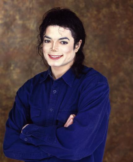 https://theonewomanapollo.files.wordpress.com/2012/01/mj-michael-jackson-9120597-487-594.jpg?w=245